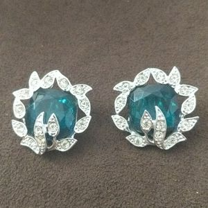 Sarah Coventry Clip On Earrings